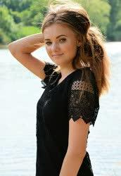 You could see a photo of Helena from Gorlovka, 22 yo