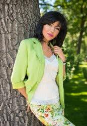 We invite you to browse photo gallery of Elena from Kharkiv, 51 yo