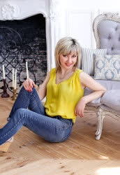 A photo of a hot bride Liliya from Kramatorsk, 53 yo