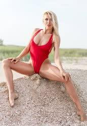 You could see a photo of Tatyana from Zaporizhia, 37 yo